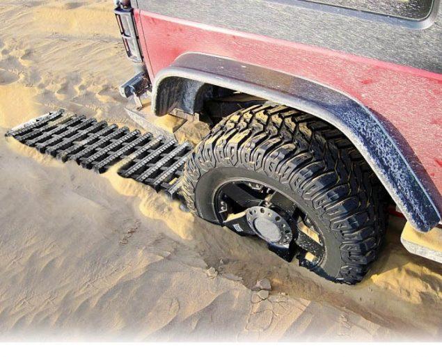 Автомобиль не может выехать из песка