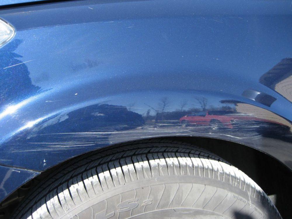 Удаление царапин на кузове автомобиля без покраски